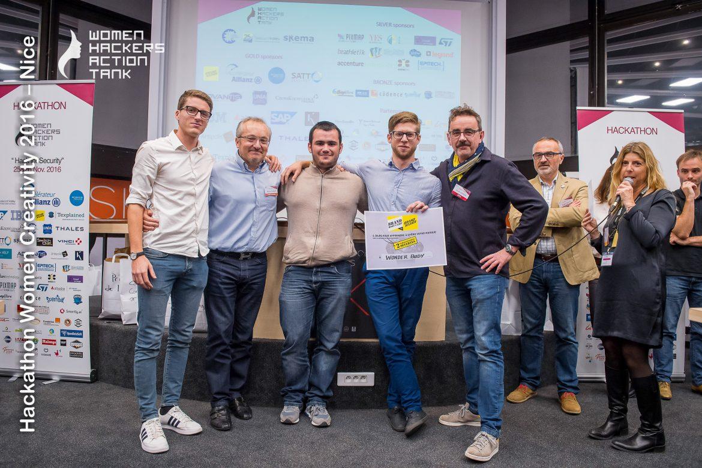 Hackathon WHAT : Wonder Buddy gagne le Prix BrandSilver et 2 places pour le BrandBootCamp Juin 2017 !